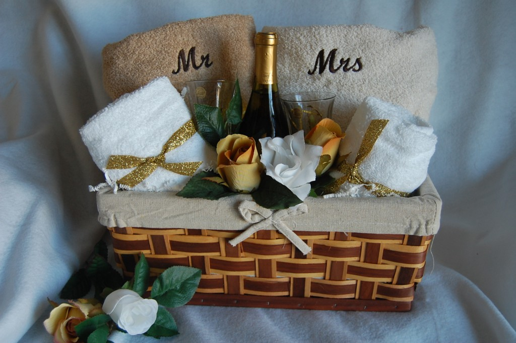 Homemade Wedding Gift Ideas For Bride And Groom: Wedding Gift Baskets For Bride And Groom