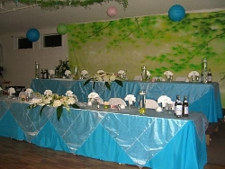 Beautifully decorated head table in our banquet hall