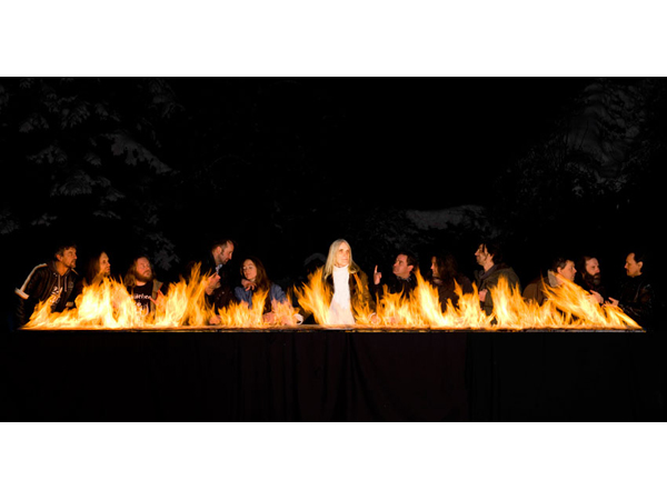 The Burning Supper, Julia Bornefeld 2012, 360 x 605 x 40 cm, Digitaler Pigmentdruck / Diasec, Verkohlter Holzrahmen, Courtesy: Galerie Elisabeth & Klaus Thoman, Innsbruck / Wien