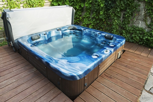 Hot tubs are oversized and have to be transported safely and legally