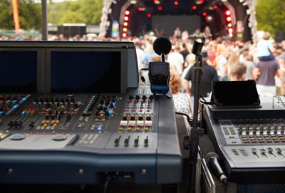 DJs with mobile entertainment system | A&B Entertainment Disc Jockey Services CT