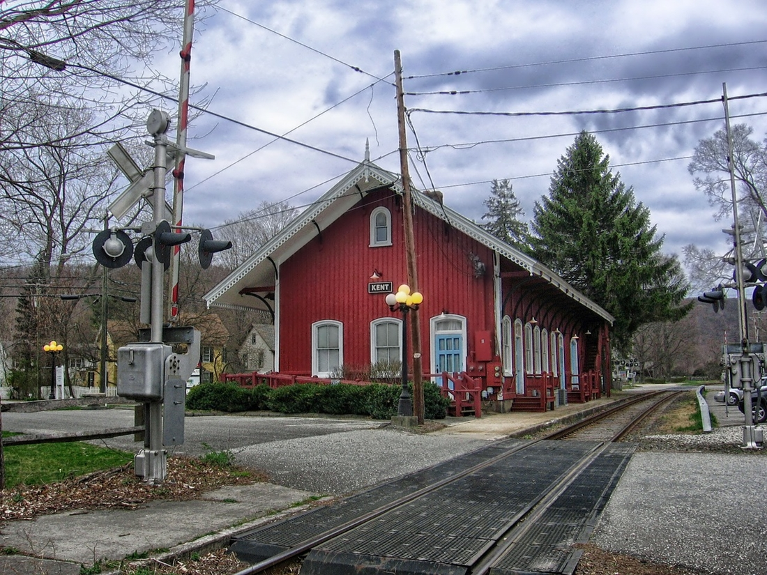 A railroad crossing intersecting a street in Kent, CT