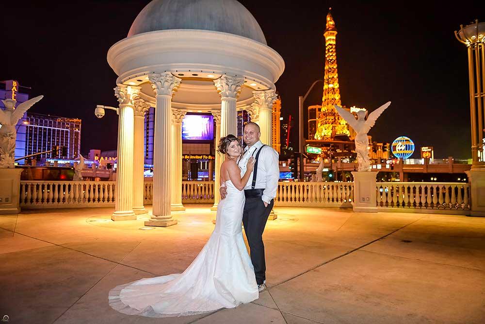 Las Vegas Wedding Photo Tours Graceland Chapel