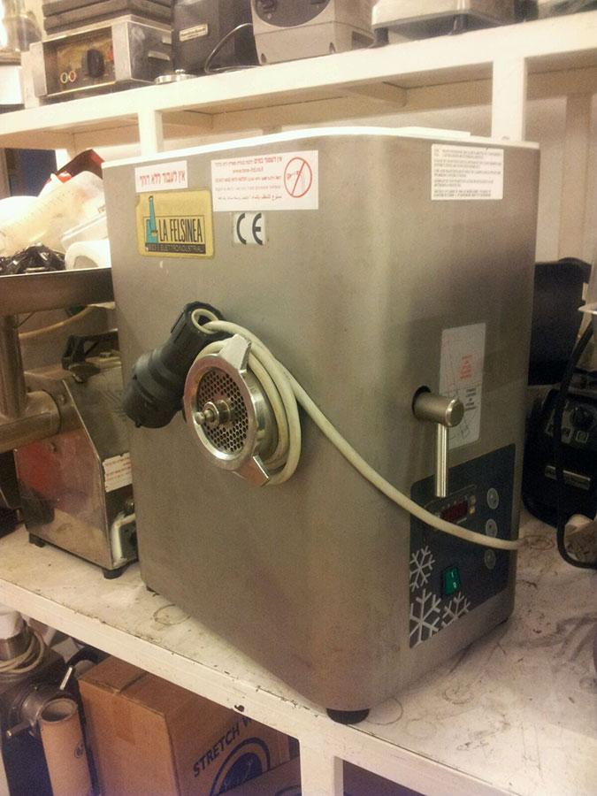 מגה וברק יד 2 - רונה מכונות מזון GF-67